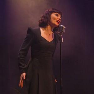 Piaf 2 Cameron Leigh as Edith Piaf Photo Gabriel Szalontai