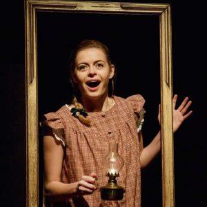 Sophie Evans in THE NIGHT BEFORE CHRISTMAS at Salisbury Playhouse - credit Paul Blakemore 2